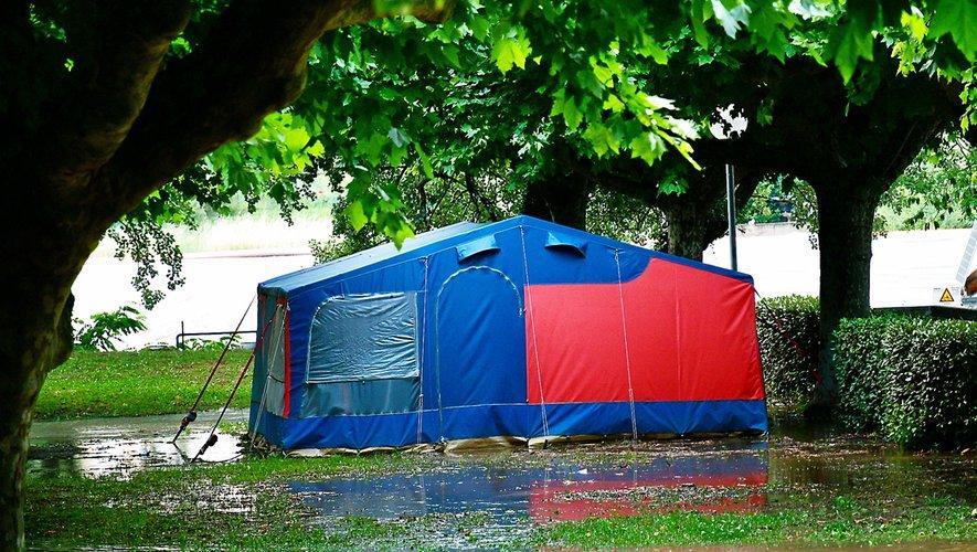 Le Tarn est monté à 5,10 m en peu de temps. Certains campings n'ont pas eu le temps de sauver les toiles.