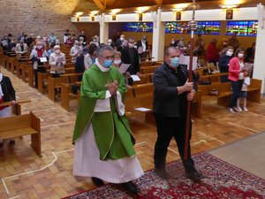 Le père Christophe Batut dimanche dernier en l'église Saint-Jean à La Primaube.