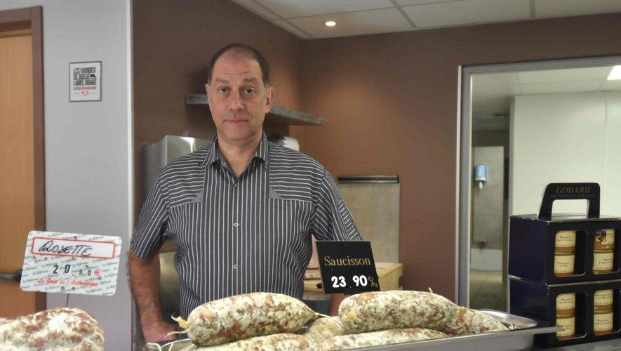 Christophe Vannier ouvre la boucherie La vallée d'Olt.