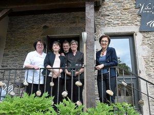 À Belcastel, au restaurant du Vieux Pont, toute l'équipe des sœurs Fagegaltier, Nicole et Michèle, et de Bruno Rouquier, est à nouveau sur… le pont.