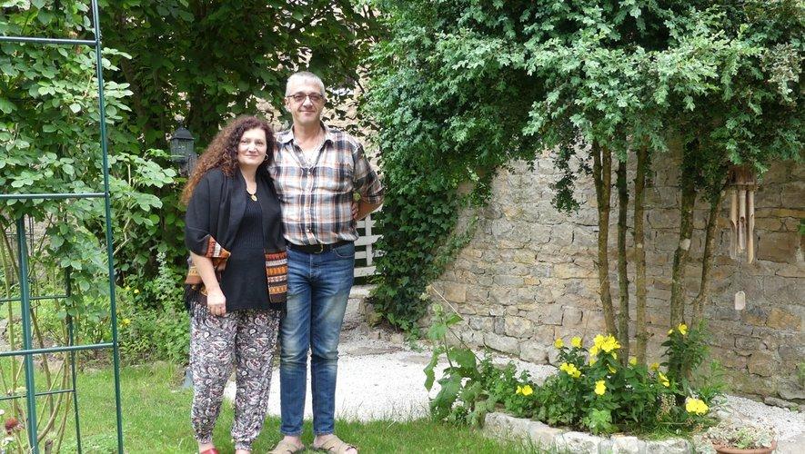 Sylvie et François dans leur jardin bucolique