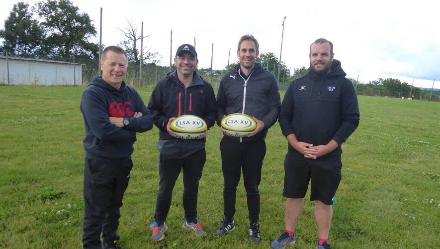 Le nouveau coach Didier Veyrac et Ruan Lamprecht entourés de Didier Couderc et Clément Augé.