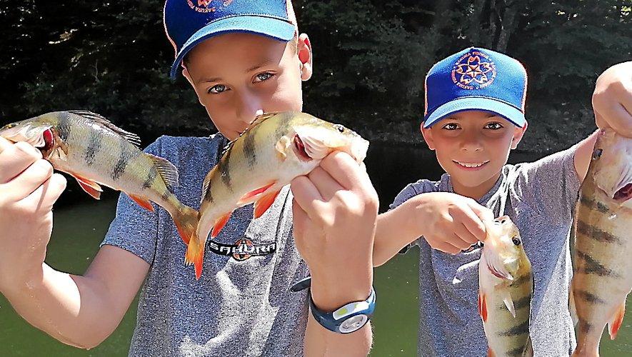 La découverte de la pêche au bord de l'eau et sur les bancs de l'école, a créé une véritable passerelle entre enseignants, parents et animateurs.