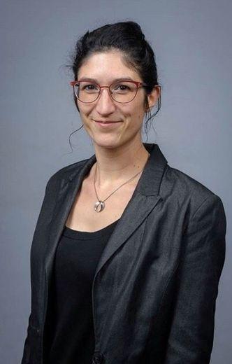 MARION BERARDI, 32 ans. Assistante de vie scolaire