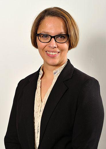 NADIA ABBOU, 43 ans. Employée municipale