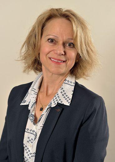 FABIENNE CASTAGNOS, 53 ans. Chargée de mission