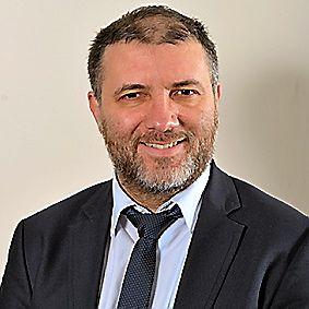 ARNAUD COMBET, 48 ans. Proviseur de lycée, conseiller départemental