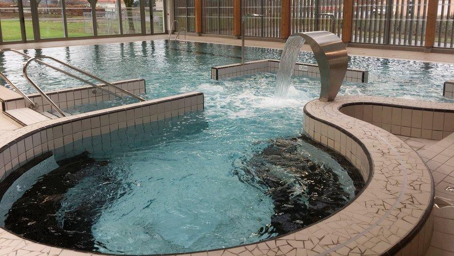 La jauge est limitée à 50 nageurs sur les deux bassins.