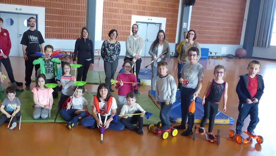 """Les participants au dernier """"loisirs en famille"""" lors du stage cirque en février 2020."""