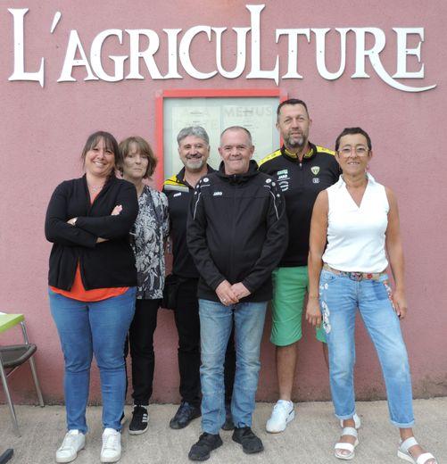 Les membres du bureau : Aurélie Loyau, Évelyne Costes, Jean-Michel Nourry, Hervé Costes, Jacques Ichard, Ghislaine Fabre.