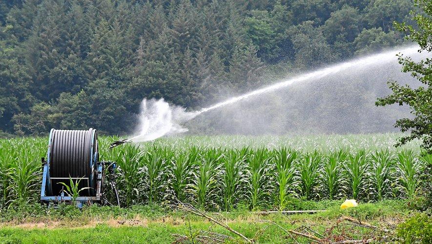 Si le niveau des nappes phréatiques reste correct en Aveyron, la vigilance reste de mise. La ressource en eau doit être utilisée avec discernement.