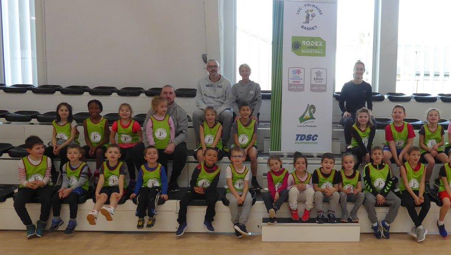 Les licenciés de l'école de basket de Luc-Primaube Basket.