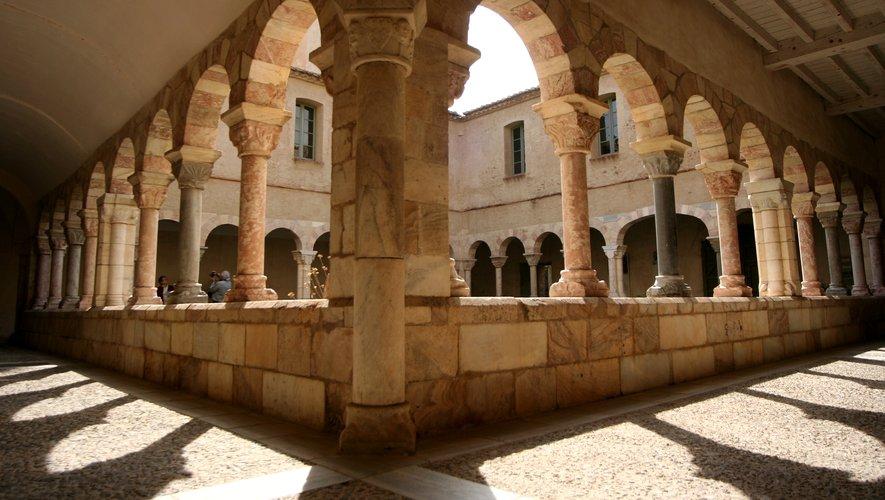 Aux confins de la sculpture romane