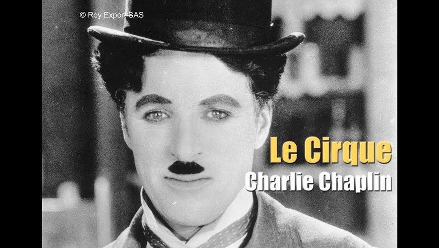 Charlie Chaplin, l'immense artiste,fera son show.