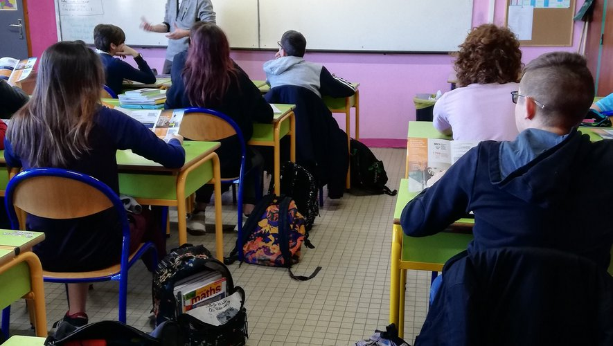 Un classe de collégiens, à Naucelle.