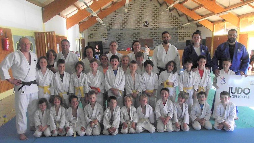 Les membres du judo club de Gages lors d'une précédente rencontre.