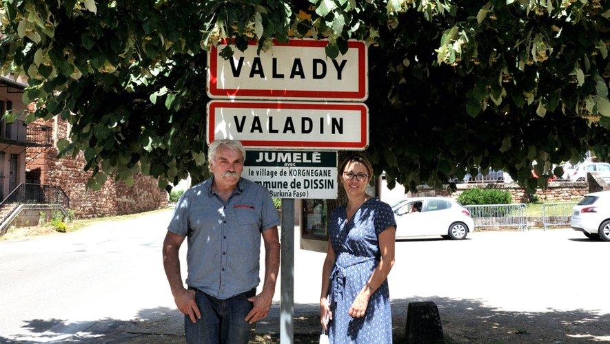 Jean-Marie Birebent, coordonnateur du projet, en compagnie d'Hélène Gaston d e l'Auberge de l'Ady.