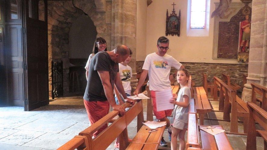 Des paroissiens en l'église Saint-Maurice de Luc.