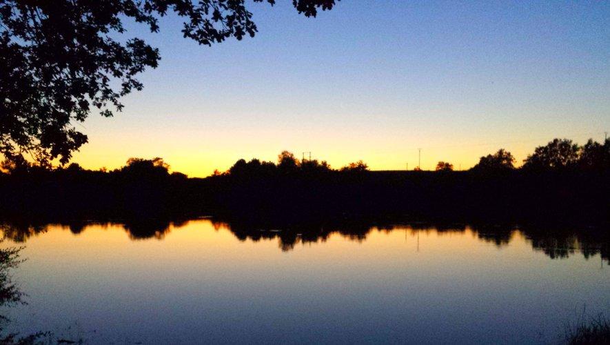 Coucher de soleil sur le lac des Galens.