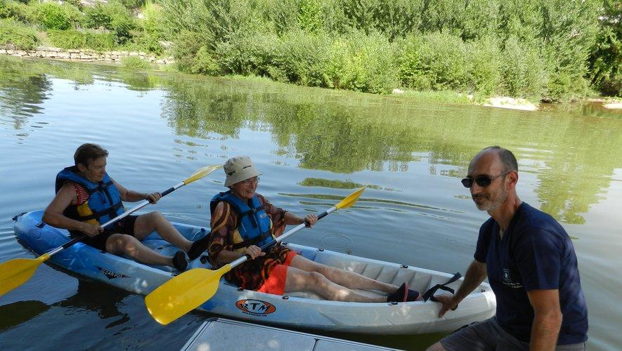 Il n'y a pas d'âge pour pratiquer le kayak à la base de plein airde Gaëtan Albespy.