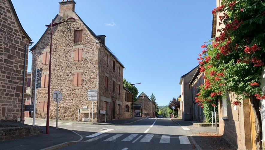 Un trait d'union entre le musée à Rodez et les vitraux de l'abbatialede Conques.