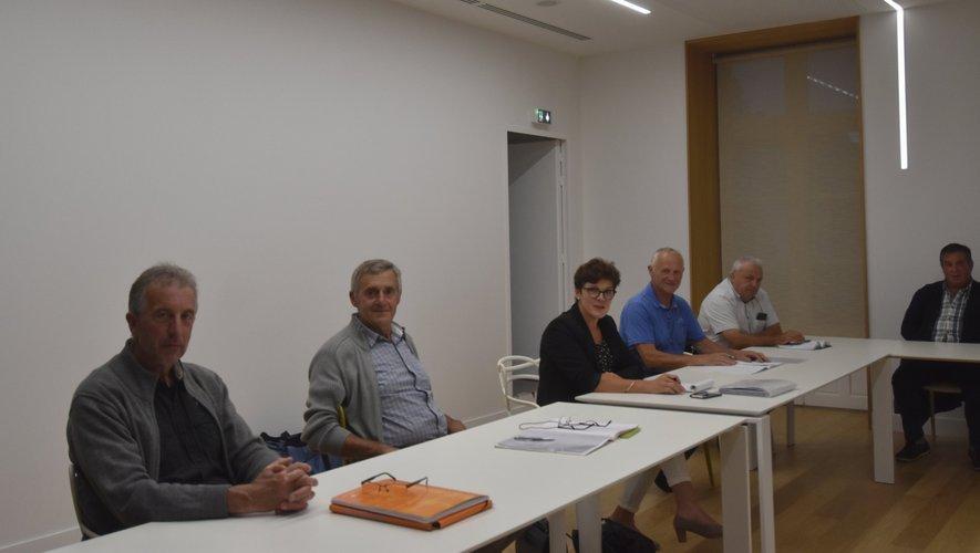 Le bureau de l'association des éleveurs Aubrac du pays d'Olt