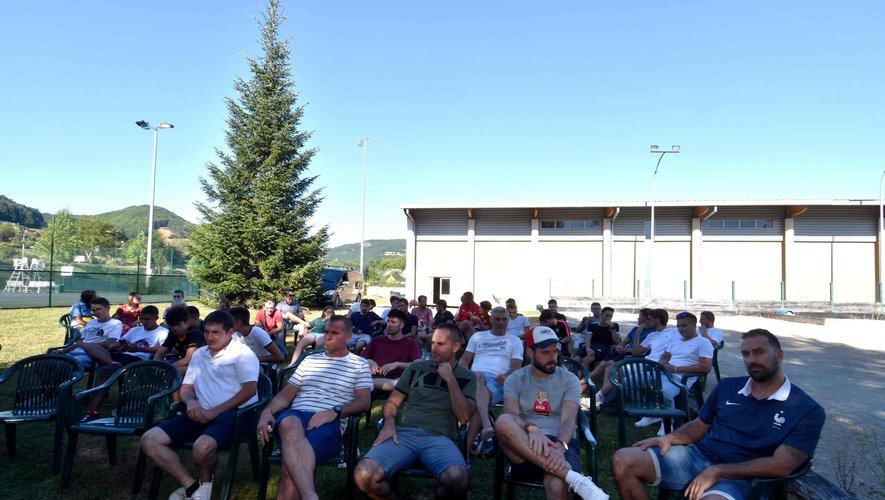 L'assistance à l'assemblée générale de l'AS St Geniez footbal