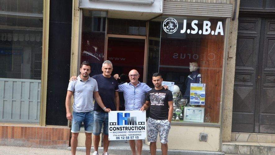 """Les deux dirigeants de """"HM construction"""" avec Francis Rigal, président et Zoran Zivkovic, manager du club."""