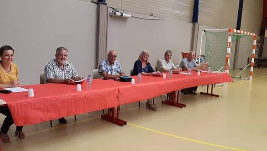 Le club était présidé par Nadine Fronzes, en présence de M. Teulier, président du comité Aveyron-Lozère et de M. Soulier, conseiller délégué aux sports.