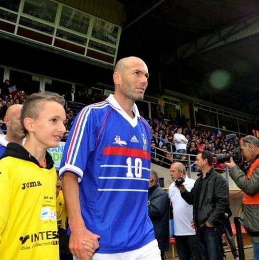 Nathan avec Zizou, à Rodez.