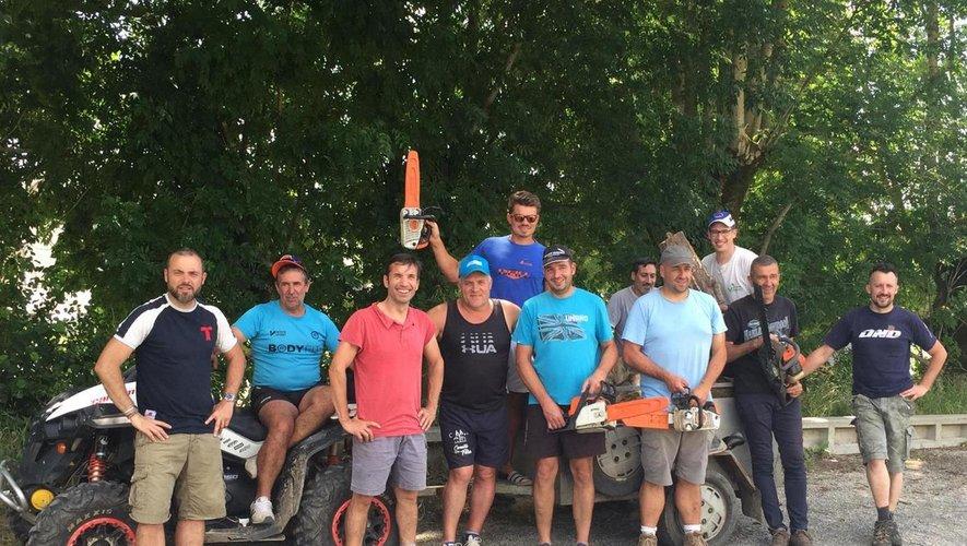 L' équipe de bénévoles de l'association Los Randonaïres de la Villa au service des sportifs tout chemin.