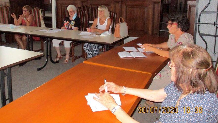 Le conseil d'administration s'est prononcé à l'unanimité  pour la dissolution de l'association.