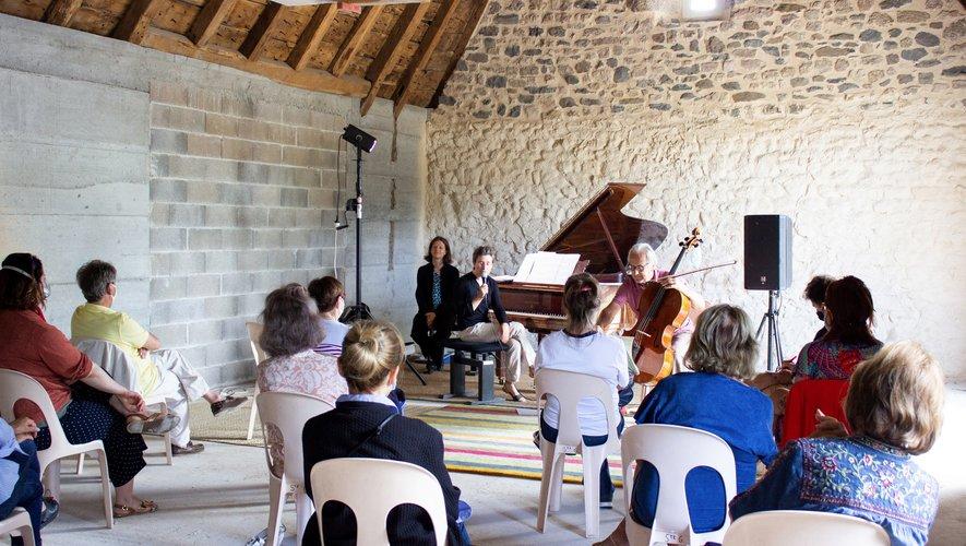 présentation du programme des fêtes musicales par Anne Le Bozec, avec un avant goût des concerts