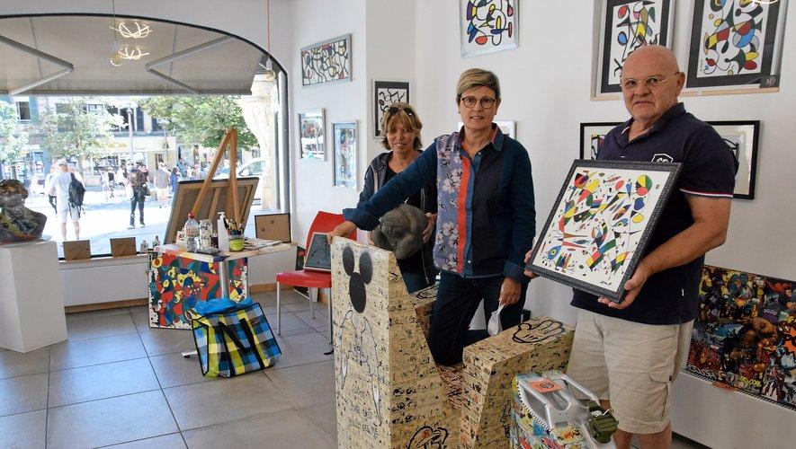 Les trois artistes prêts à échanger autour de leur travail.