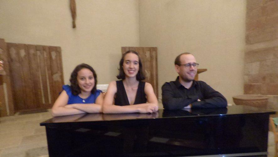 Maria ALEJANDRA JIMENEZ, violoniste - Sol MOLINA , violoncelliste et Jean-Sébastien BORSARELLO, musicien de l'orchestre du capitole à Toulouse les a accompagné au piano.