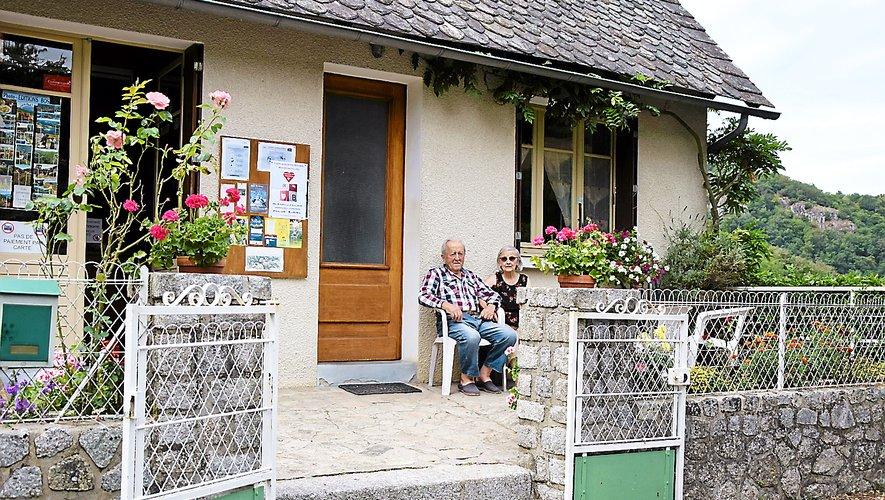 En haut du hameau, le café Galdemar est le parfait point de ravitaillement après une rando ou une journée d'escalade.
