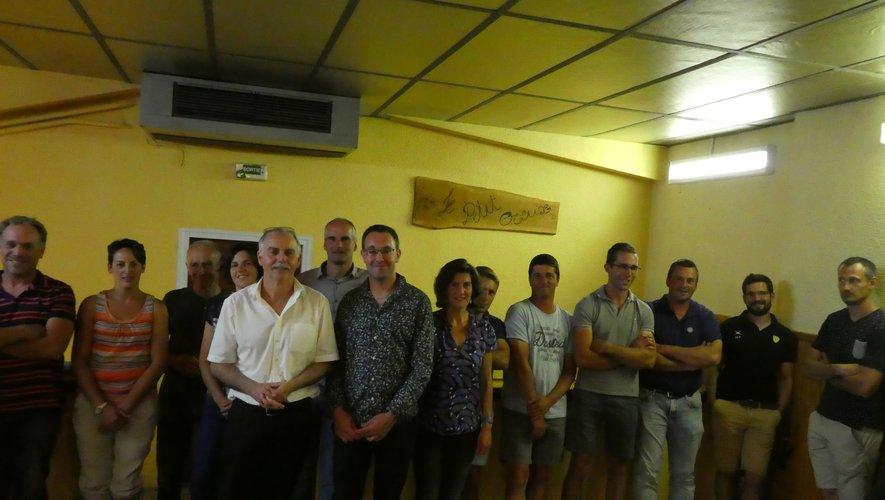 Au centre Vincent Alazard, Guillaume Grall et les adhérents.