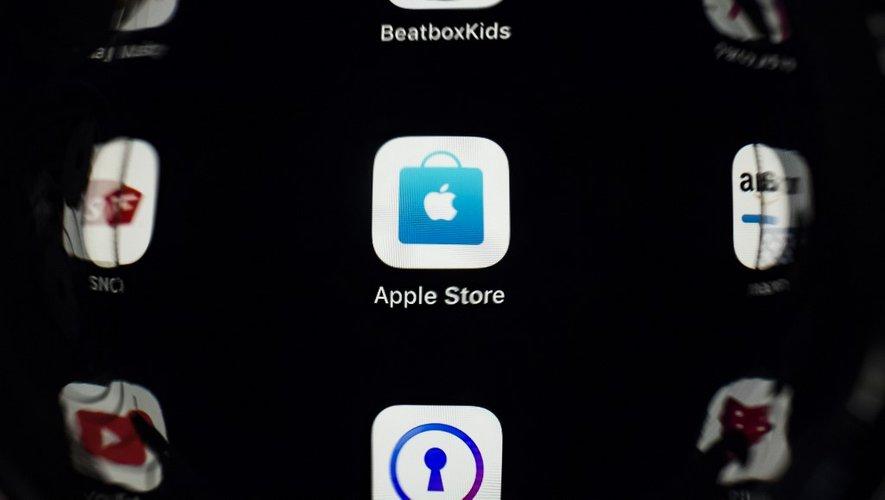 Le fabricant de l'iPhone est dans le collimateur de nombreux régulateurs et éditeurs d'applications, comme Spotify, qui contestent l'emprise de la société sur l'App Store, passage obligé du téléchargement d'applications sur ses populaires appareils