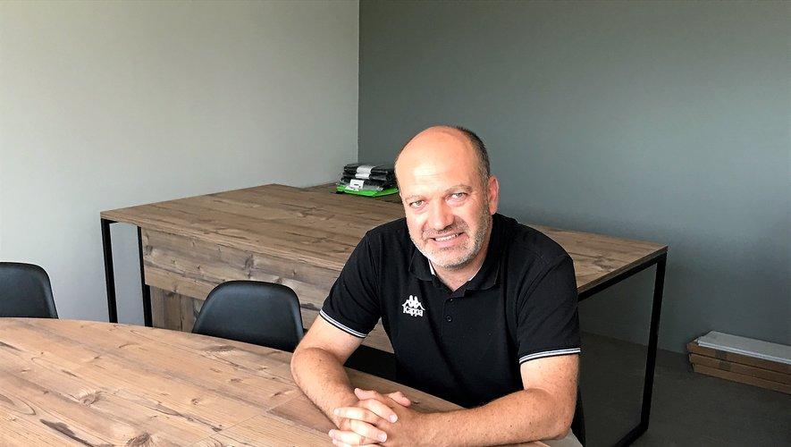 Arnaud Delpal, le président du District Aveyron, dans les nouveaux locaux.