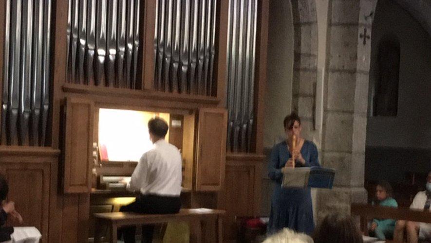 Nathalie Liess et Georges Lartigau en l'église du fort