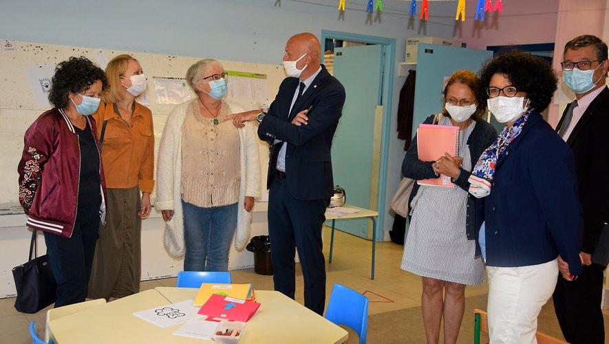 Annick Longer, directrice de l'école de Cardaillac, a reçu hier les visites d'Armelle Fellahi, Stéphane Mazars et Fabienne Castagnos.