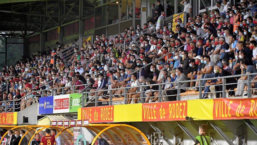 Les tribunes ont été bien garnies, samedi soir, pour assister au match entre Rodez et Caen.