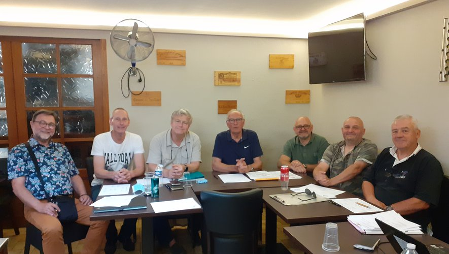 Lors d'une réunion préparatoire du nouveau bureau ; le nouveau président Jean-François Angles est tout à fait à droite sur la photo.