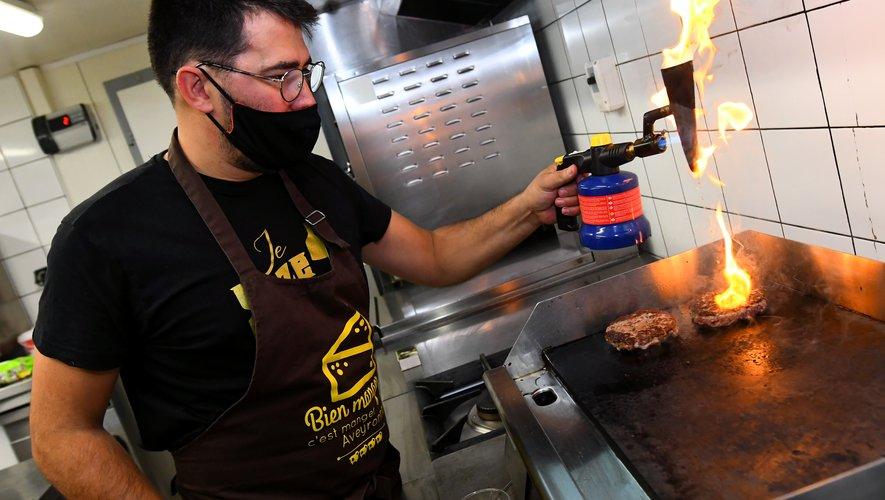 Sébastien Gaches compte bien mettre le feu ce lundi pour remporter la coupe de France du burger.