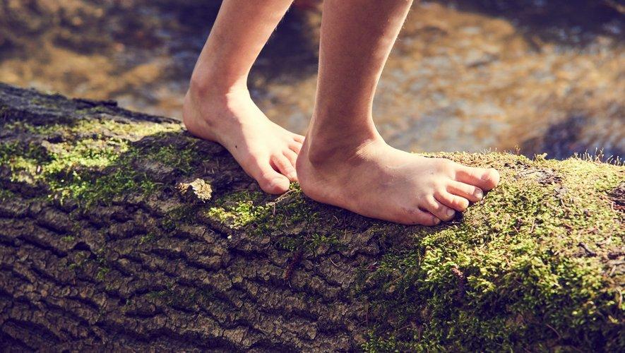 Le earthing pourrait vous permettre d'aller mieux et de retrouver harmonie et bien-être.