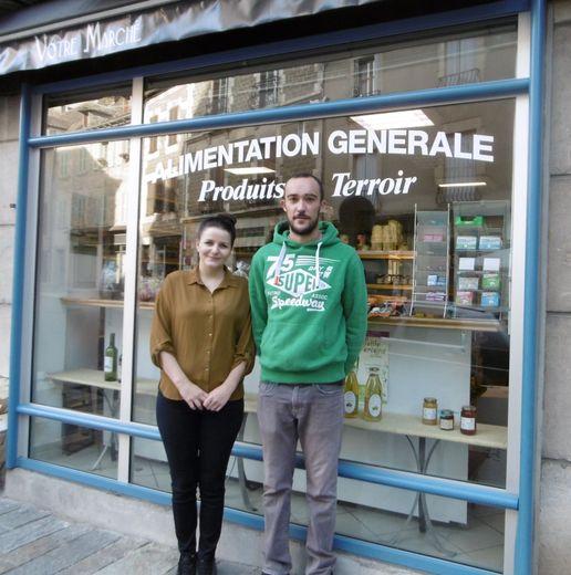 """Marlène et Grégory tiennent désormais l'épicerie """"Votre Marché""""."""