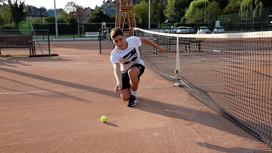 Le sociétaire du club d'Onet-le-Château a dû apprendre à maîtriser les gestes des ramasseurs de balles pour être sélectionné à Roland-Garros.