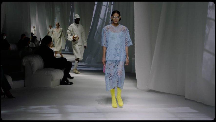 Focus sur le défilé de Fendi pendant la Fashion Week de Milan, par Paris Modes Insider.