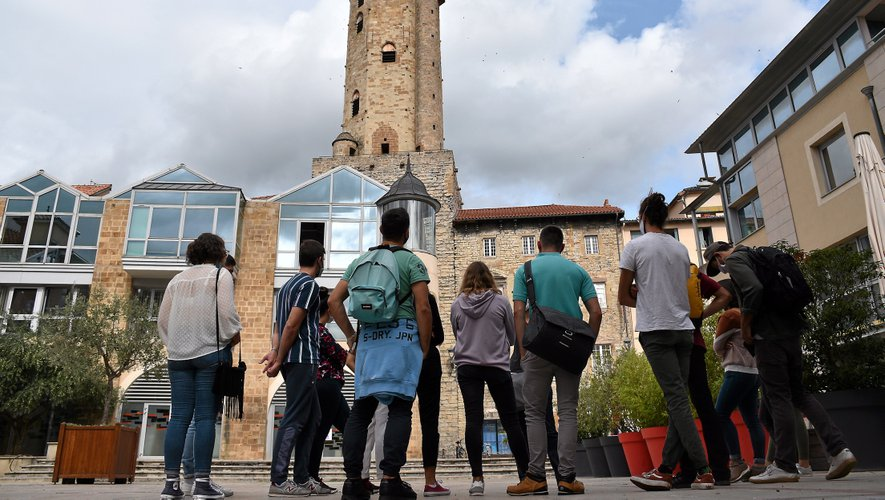 Les étudiants ont suivi une guide conférencière pendant près de deux heures, à la découverte de la ville.