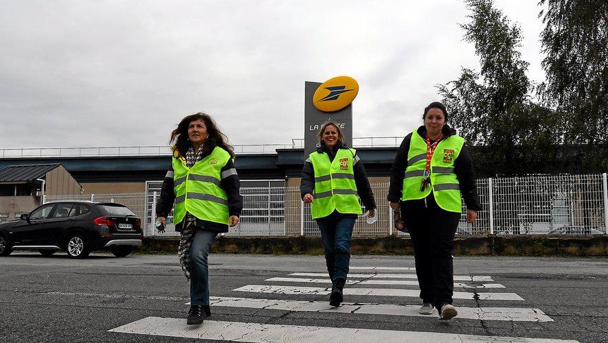 «On n'en peut plus de ne pas faire le boulot correctement», affirment les grévistes autour de Laurence Cahors.